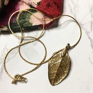 Jewelry - Vintage Gold Plated Leaf Necklace